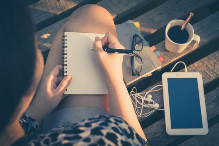De zon in! 7 schrijfoefeningen die je buiten kunt doen