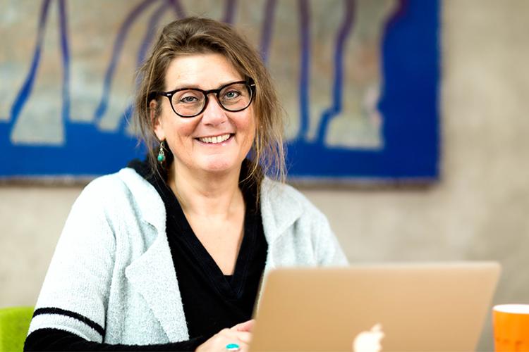 Barbara Philipsen zet ICT-jargon om in begrijpelijke taal