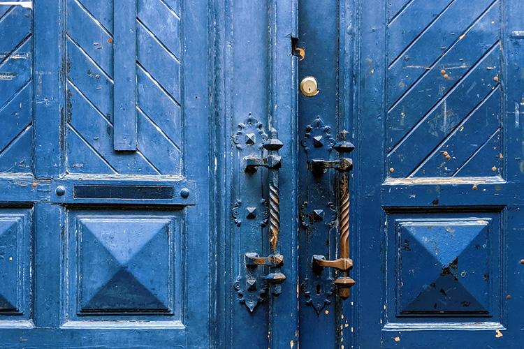 Schrijf een verleidend intro met de 3-deuren-checklist