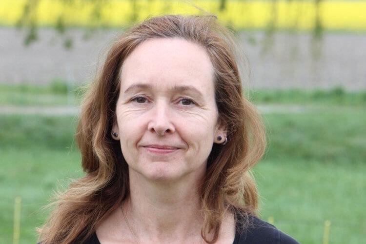 Sabine Hoes